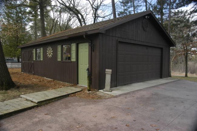 Waupaca Chain O Lakes Real Estate Detached Garage